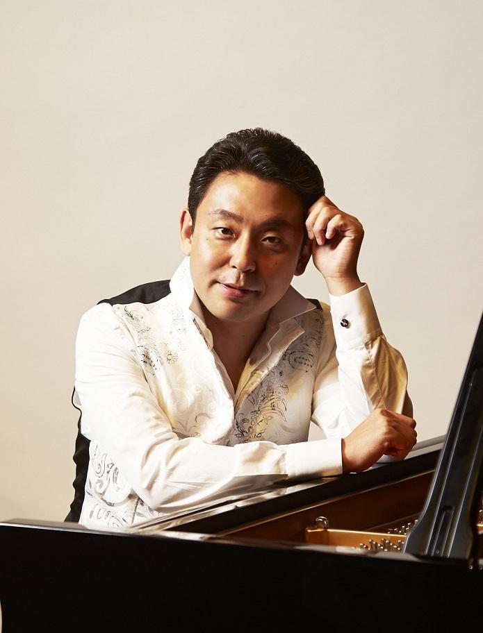 「第208回定期演奏会」のソリストはピアニストの横山幸雄 (C)ミューズエンターテインメント