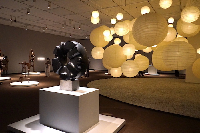 イサム・ノグチ《黒い太陽》1967-69年 国立国際美術館蔵  (C)2021 The Isamu Noguchi Foundation and Garden Museum/ARS,NY/JASPAR,Tokyo E3713