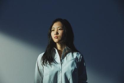 琴音、次代の歌姫が1stフルアルバム『キョウソウカ』でラブソングに挑戦した理由とは?
