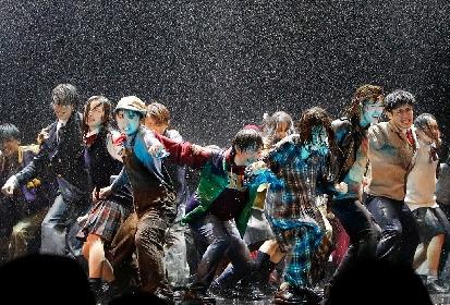 秋元康「彼らのエネルギーがさらにパワーを増していく」劇団4ドル50セント旗揚げ本公演『新しき国』公演レポート