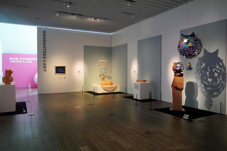会場風景。新進気鋭のアーティストたちによる展示は、見ごたえたっぷり。  (C) 2021 SANRIO CO., LTD. APPROVAL NO. SP610376