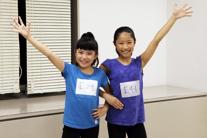 (左から)新アニーの新井 夢乃&宮城 弥榮