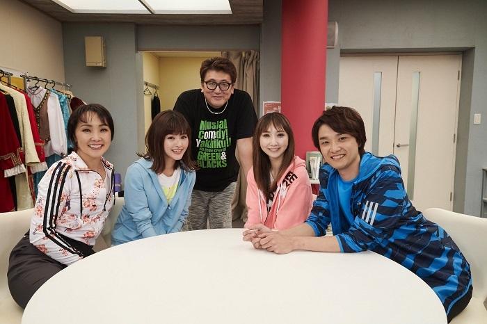 (左から)濱田めぐみ 昆夏美 福田雄一 愛原実花 井上芳雄