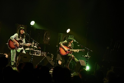 LOVE PSYCHEDELICO 初のアコースティックツアー開幕