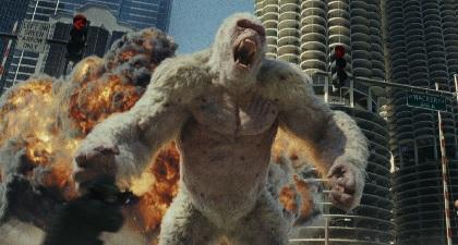 暴走・巨大化するゴリラたちとドウェイン・ジョンソンが激突する『ランペイジ 巨獣大乱闘』日本公開へ 「キョダイカガトマラナイ!」
