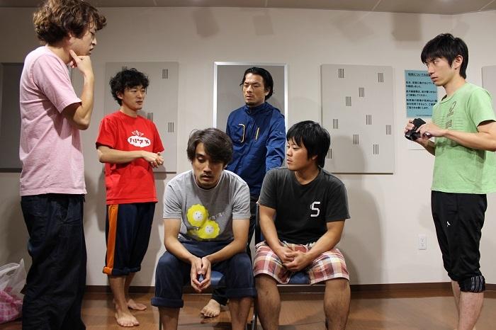 左から奥村徹也、松居大悟、本折最強さとし、目次立樹、東迎昂史郎、善雄善雄