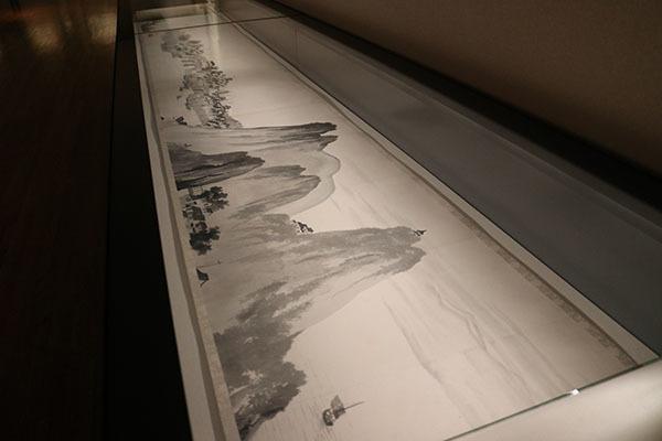 横山大観《楚水の巻》(部分)1910(明治43)年。初の水墨画巻で全長14メートル以上の大作