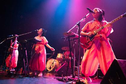 SuperorganismのO-EAST公演にCHAI登場、アンコールで一緒にダンス
