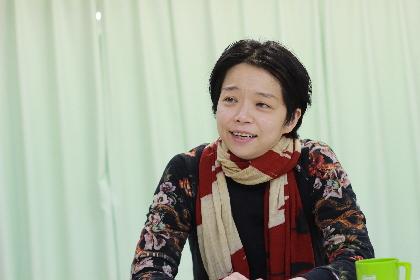 風姿花伝プロデュース『THE BEAUTY QUEEN OF LEENANE』演出・小川絵梨子に聞く「マクドナーは殺伐さとブラックな笑いの要素とのバランスが絶妙」
