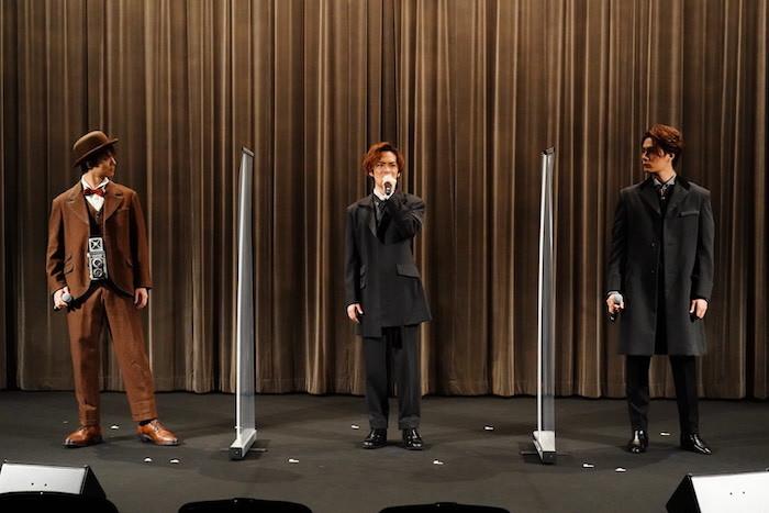 田代万里生、小野賢章、加藤和樹(左から)