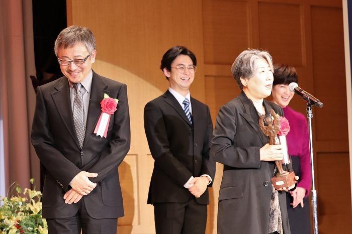 永井さんが松尾貴史さん、柳下大さん、馬渕英里何さんを壇上に!