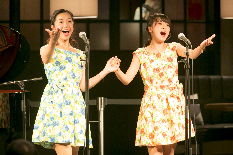 山田姉妹 (左から)山田 華、山田 麗 (撮影=寺坂ジョニー)