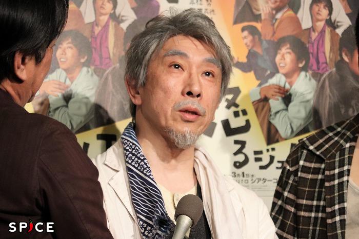 白髪頭と白髭が意外と似合う段田さん