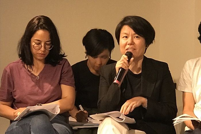 サイレン・チョン・ウニョン(右) [撮影]吉永美和子