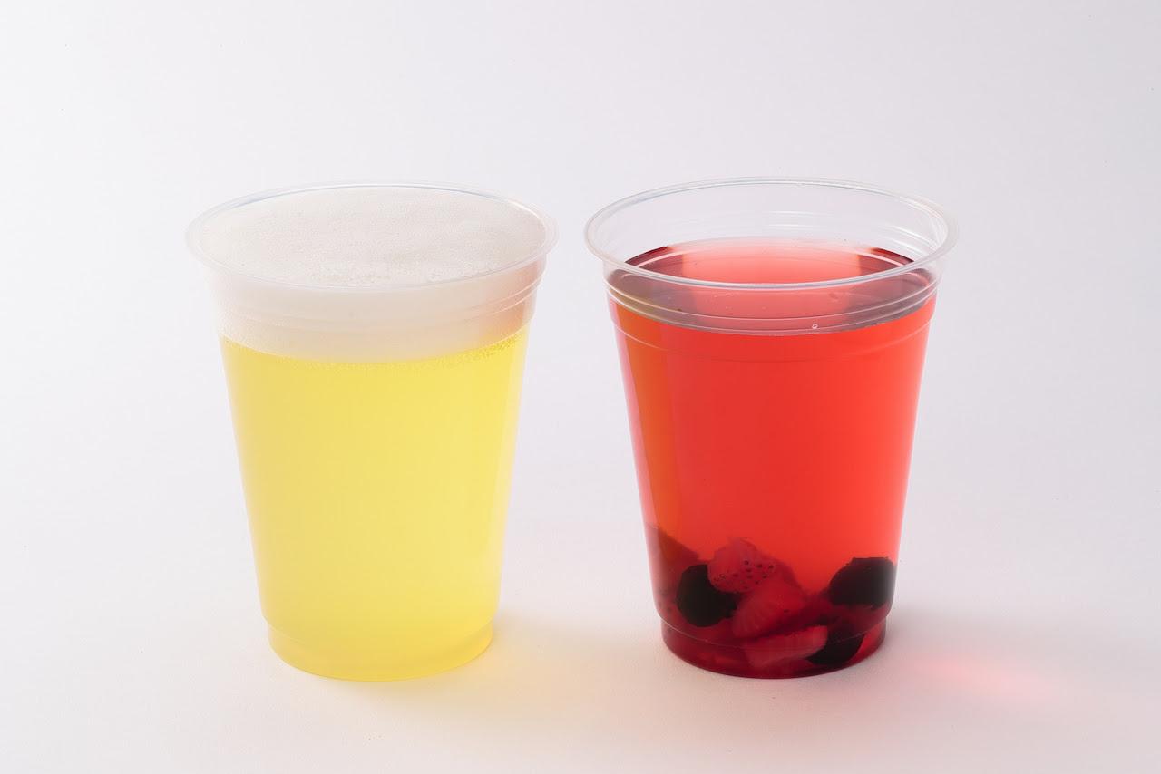 (左)こどもビール、(右)こどもワイン
