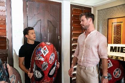 『スパイダーマン』トム・ホランド×『MIB』クリス・ヘムズワースの対談が実現 「いちばん好きな役者は?」「リアム・ヘムズワース」