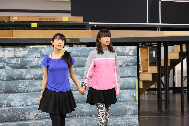 (左から)椎名へきる、富田麻帆 (C)Project Revue Starlight