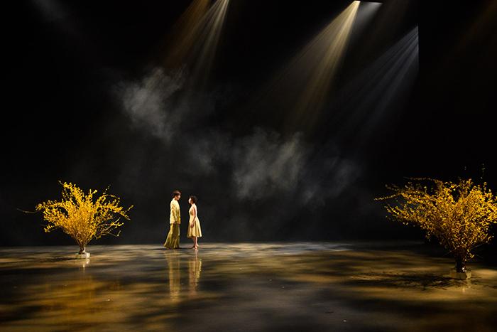 Co.山田うん『コスモス』劇場版 新潟公演 ©2021村井勇/アトリエラボン