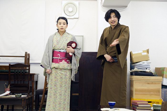 エンマ役の佐藤蛍(左)と、飄風役の宮崎秋人(右)