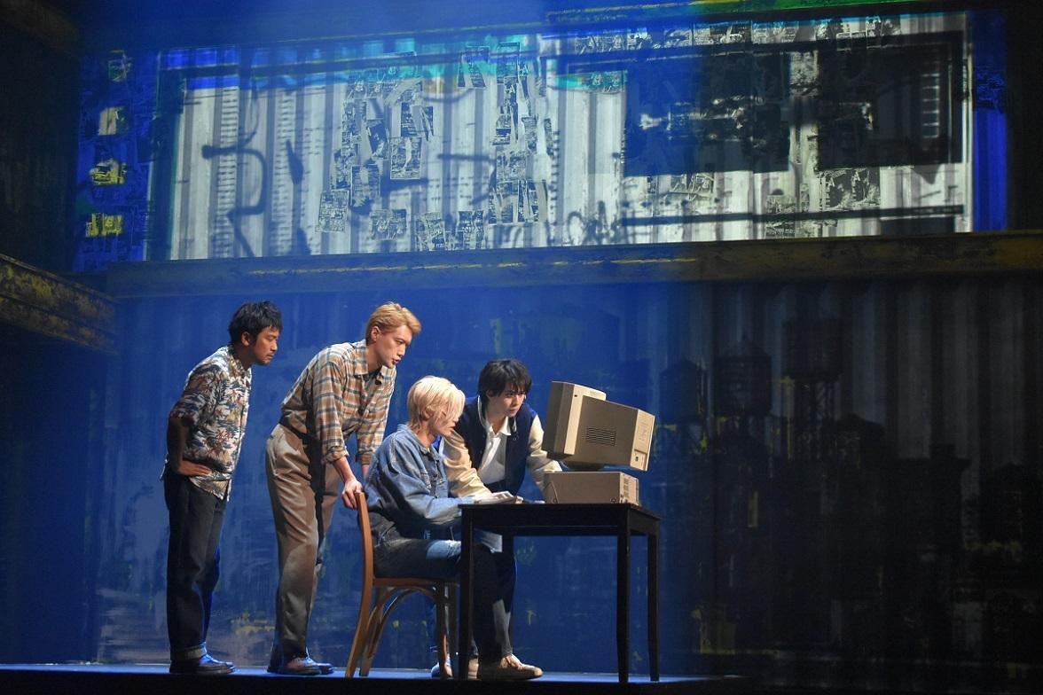 (左から)冨田昌則、内田朝陽、水江建太、岡宮来夢