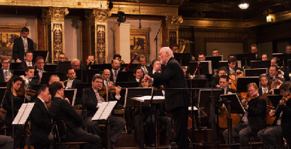 スター・ウォーズの日(5月4日)にジョン・ウィリアムズ指揮ウィーン・フィル「レベリオン・イズ・リボーン」演奏映像がプレミア公開