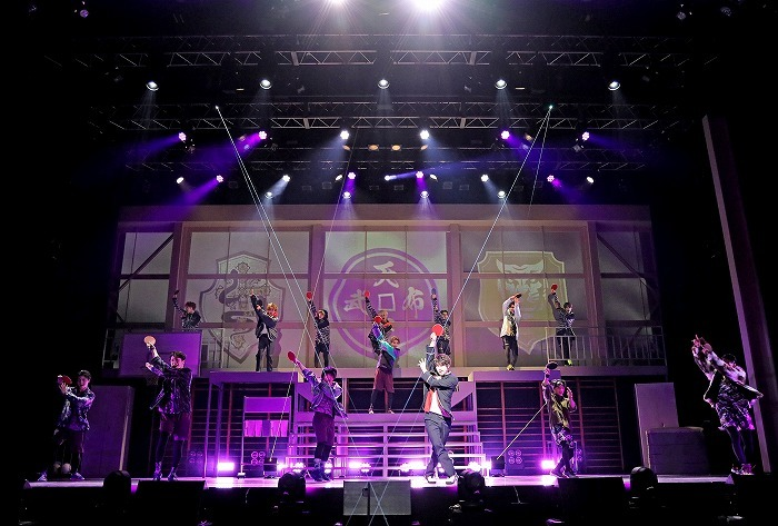 『FAKE MOTION –THE SUPER STAGE–』 (C)汐留ヱビス商店街 (C)FAKE MOTION -THE SUPER STAGE-製作委員会