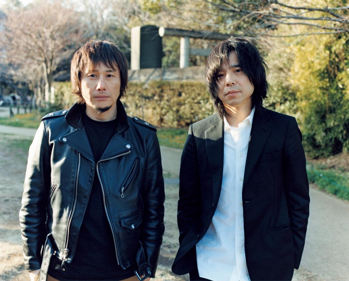 左から、横山健、宮本浩次