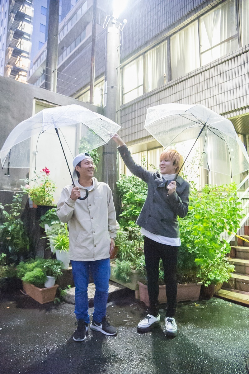 NIHA-C×ハシシ(電波少女) 撮影=鈴木恵