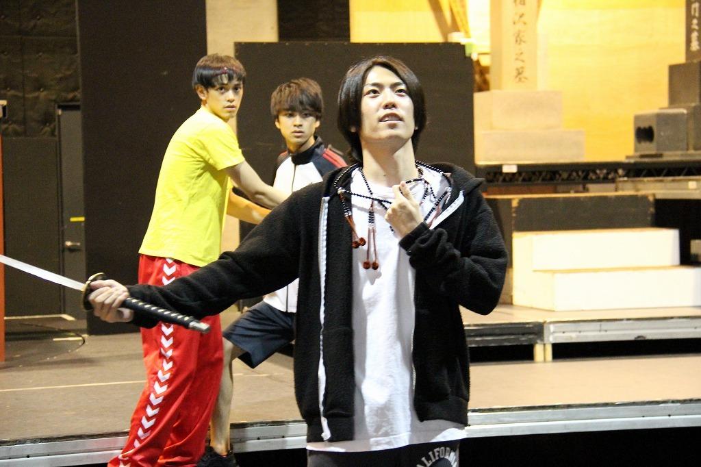 『八王子ゾンビーズ』舞台写真