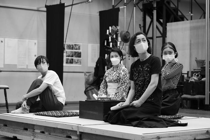 『キネマの天地』稽古場より 撮影:冨田実布