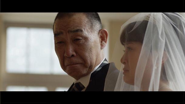 K「桐箪笥のうた」ミュージックビデオのワンシーン。