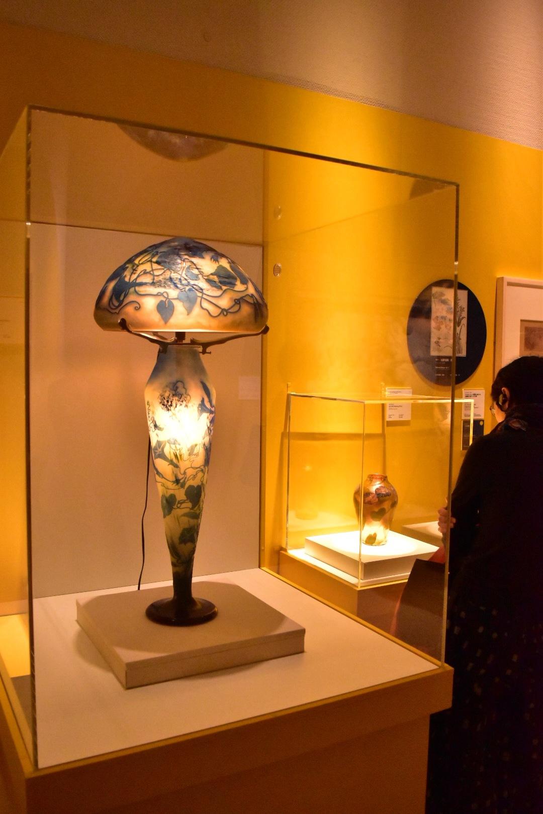 エミール・ガレ《ランプ:朝顔》1904年頃 ヤマザキマザック美術館