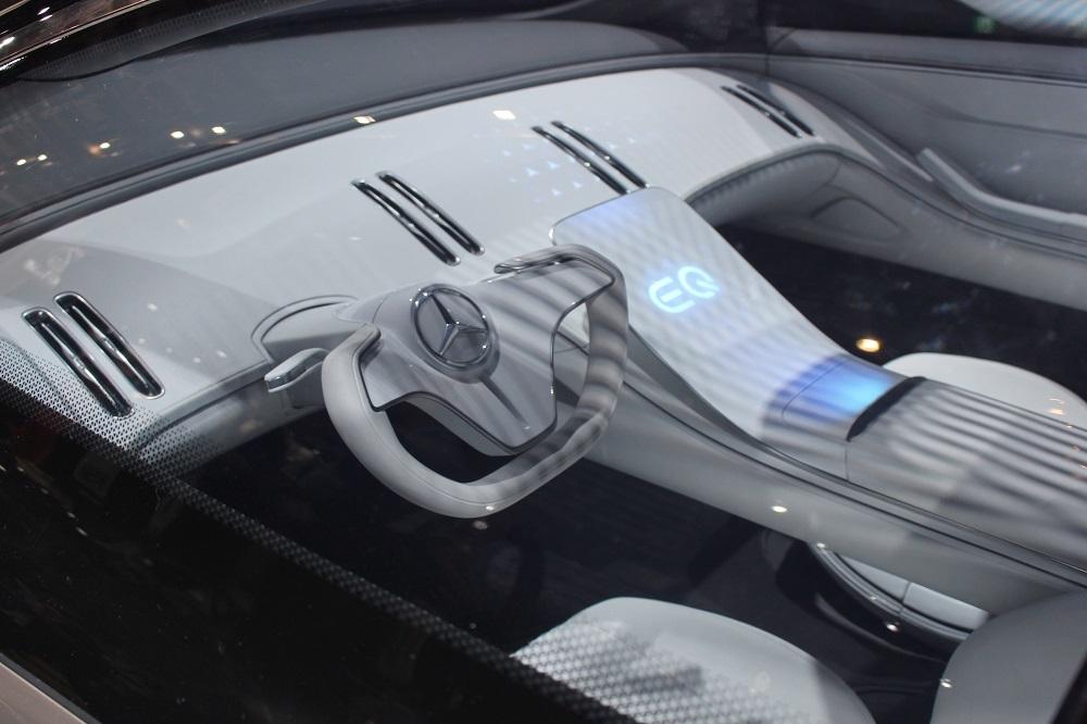 「EQS(Vision EQS)」の車内
