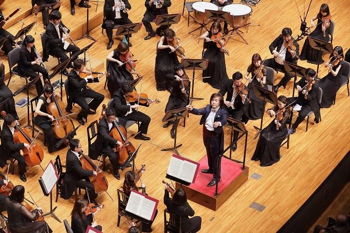 本拠地ザ・シンフォニーホールで演奏する日本センチュリー交響楽団 (c)s.yamamoto