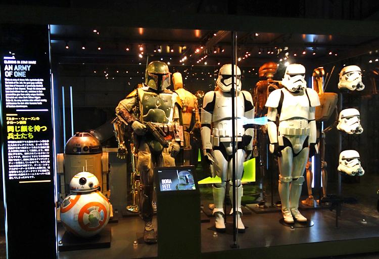 左:BB-8 中央:ボバ・フェット 右:ストームトルーパー