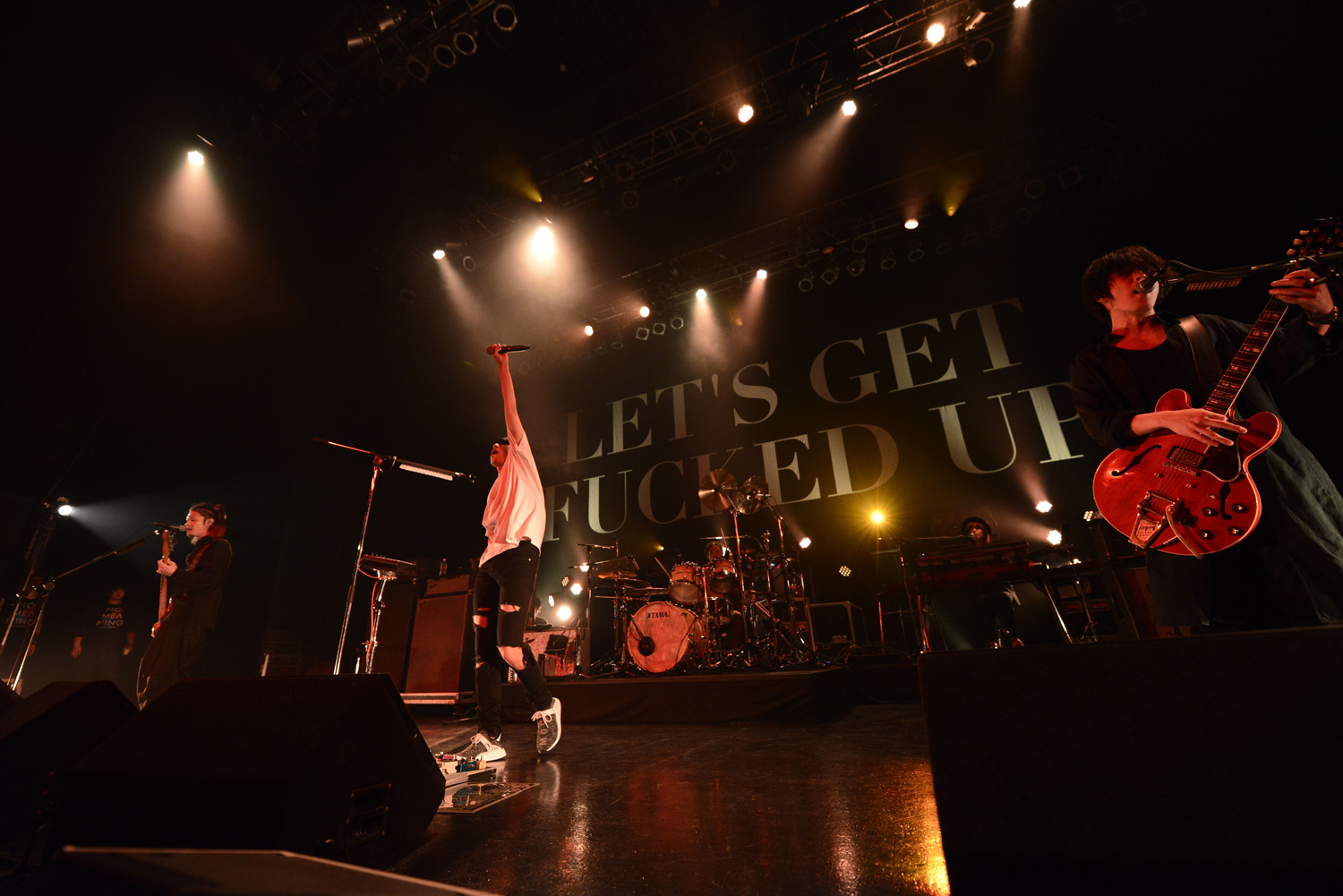 """[Alexandros](『-Tour 2017""""NO MEANING"""" 』12/20公演より) 撮影=河本悠貴"""