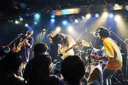 TENDOUJI、The Floor、FINLANDS、強烈な個性を放つバンドが相まみえた『エスカミ Vol.3』レポート