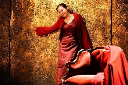 大竹しのぶ「舞台の上で必死に生きるのみです」~開幕した『フェードル』より、舞台写真&初日コメントが到着