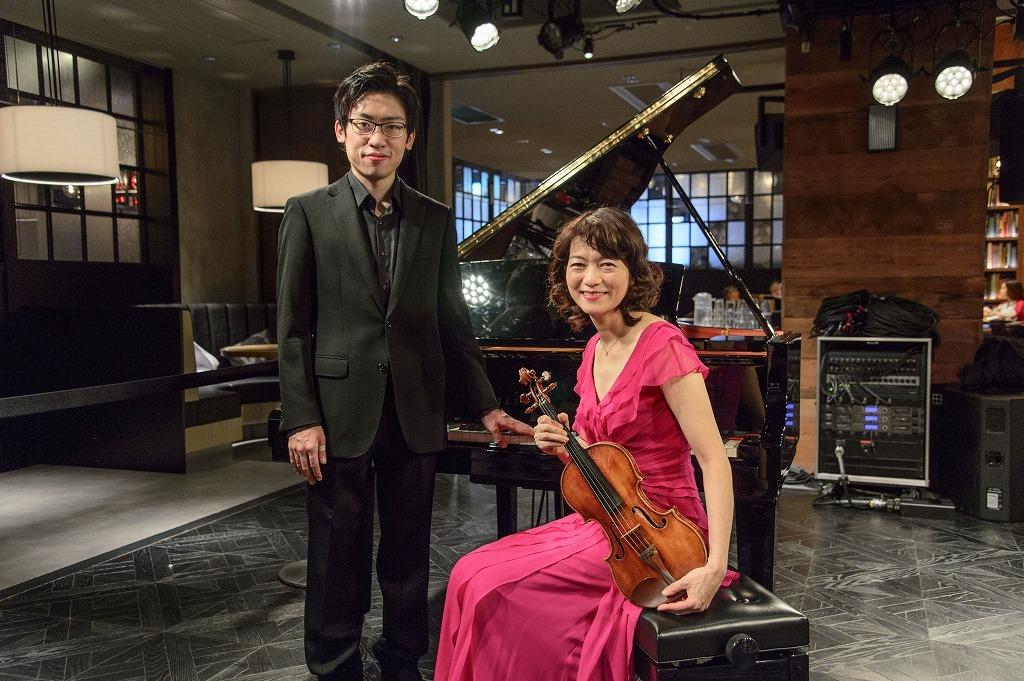 中野翔太(ピアノ)、小林美恵(ヴァイオリン) 撮影=岡崎雄昌