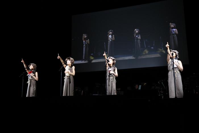 (左から)藤井明日香、小山奈桜、松田茜、冨永璃愛