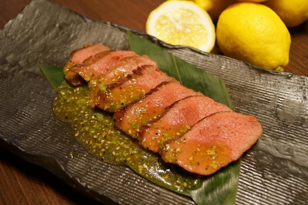 ネギ塩牛タンローストステーキ(銀座WORLD DINER)