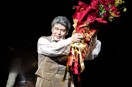 「命の続く限り役者人生を」松本白鸚のミュージカル『ラ・マンチャの男』1300回達成!記念特別カーテンコールレポート