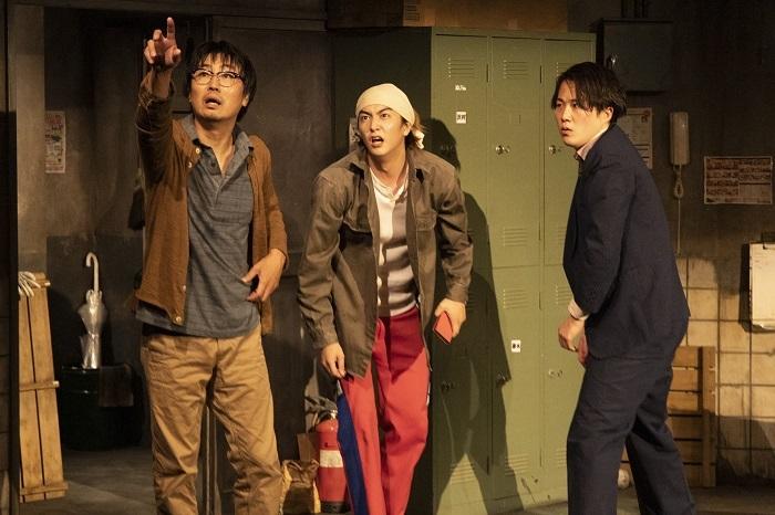 左から中山祐一朗、稲葉友、大鶴佐助(撮影:加藤孝)