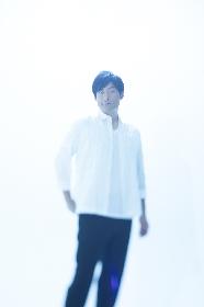 浜端ヨウヘイ、セルフプロデュース作『ROUGH SKETCH -HOMEMADE EDITION-』8曲を一挙公開、2度目の配信ライブも開催決定