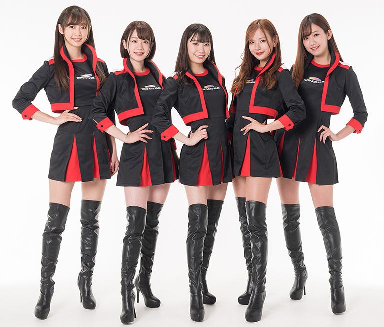 A-classに選出された(左から)林紗久羅、小林唯叶、苗加結菜、美月、中村比菜