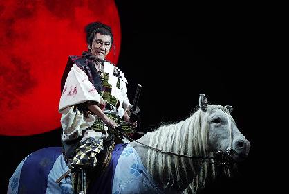 市村正親主演、蜷川幸雄一周忌追悼公演『NINAGAWA・マクベス』が喝采の中で香港千穐楽