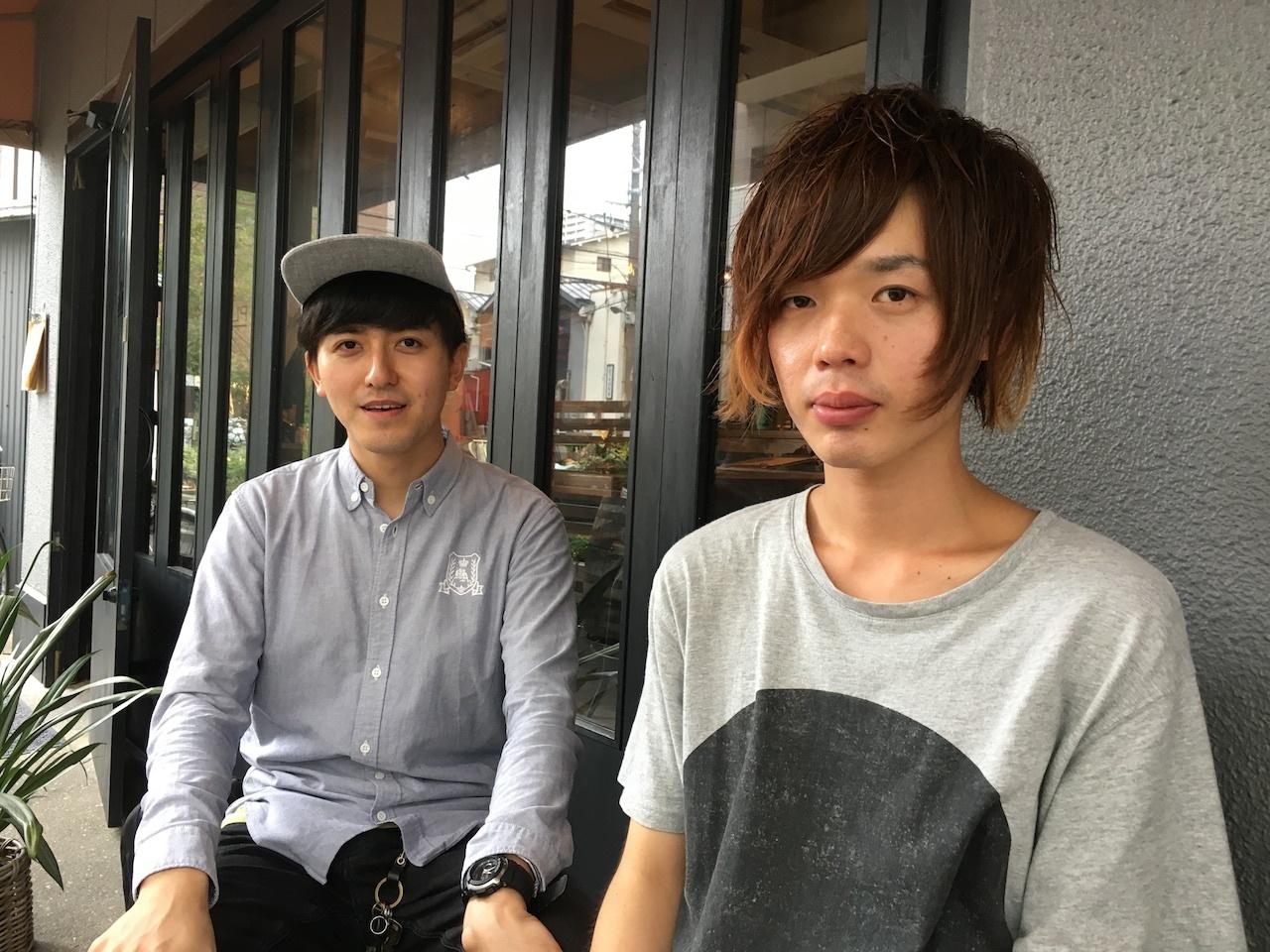 井田健(Gt/Vo)(写真、左)・辻井啓気(Ba)(写真、右)