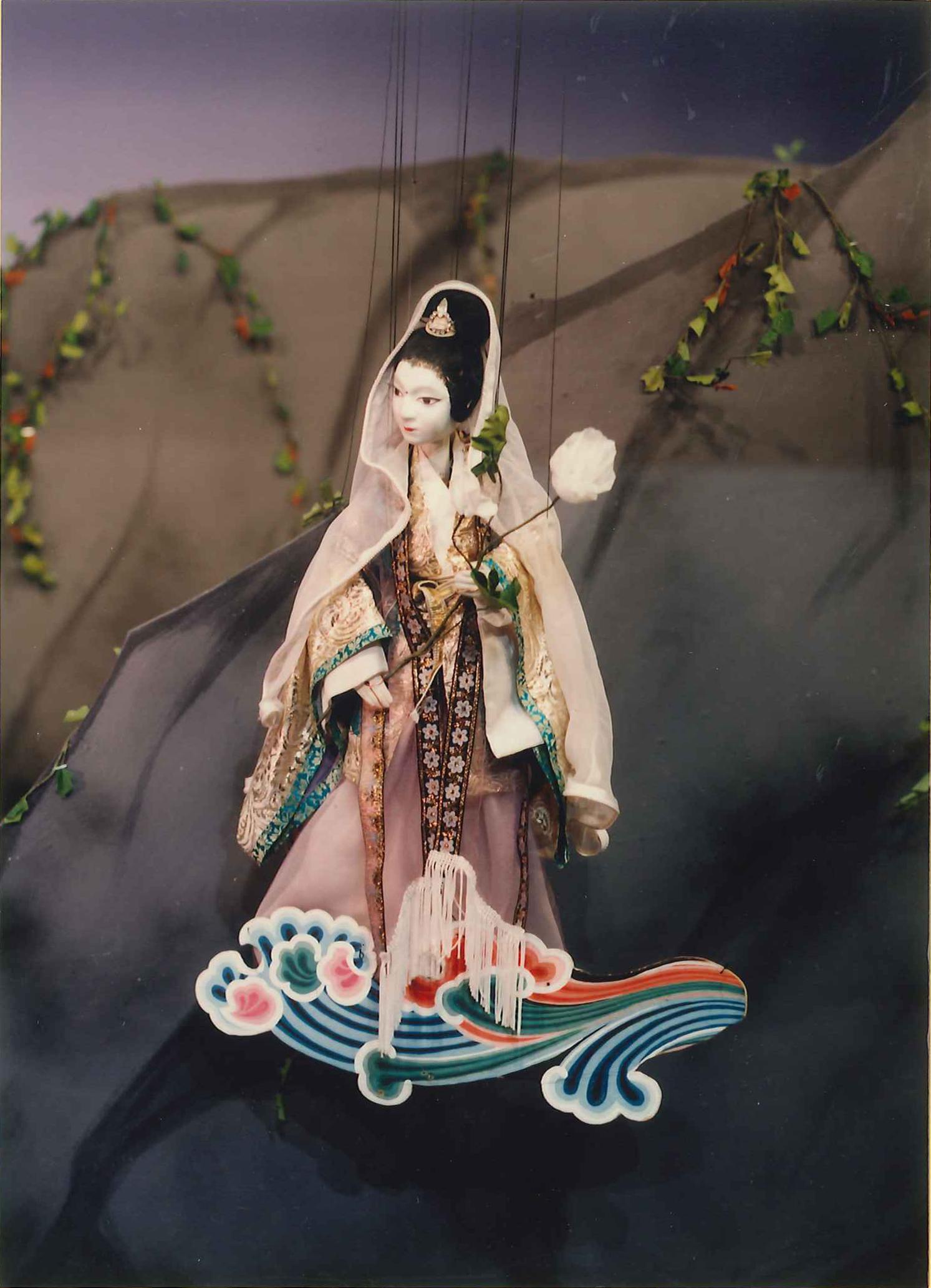観世音菩薩(『壺坂霊験記』)/結城座提供