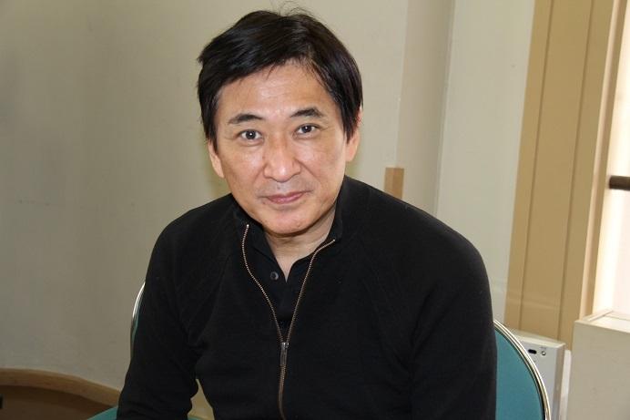 言葉を選びながら丁寧に取材に応える藤岡幸夫 (C)H.isojima