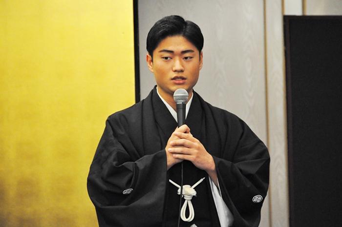 「博多座の襲名公演では、兄(橋之助)と一緒に『車引』の桜丸をを演らせていただいたのが一番印象に残っています」と語る福之助。